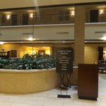 Photo de Embassy Suites Tampa - Brandon