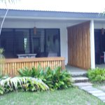 Beachfront bungalow with double bed and single bed