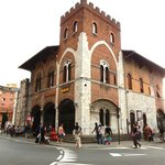 Pisa Bus-station 3mins. walk, 1 block from the hotel