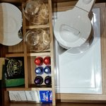 The kettle heating base is inside this drawer, no plugs!