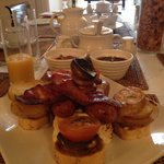 Full-English. Didn't know whether to eat it or climb it! I ate it in the end - great decision!