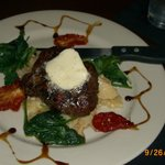 Filet Mignon - rare -, topped with Gorg