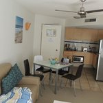 The Beach Retreat Coolum resmi