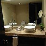 jr suite bathroom