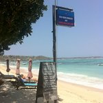 Photo de Nusa Indah Bungalows Surfer Beach Cafe