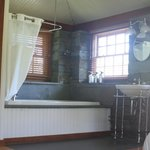Stone Cottage Jacuzzi And Sink