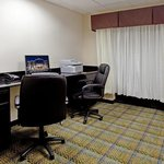 Holiday Inn Express Hotel & Suites Hope Millsの写真