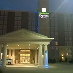 Photo de Holiday Inn Express Hotel & Suites Chatham South