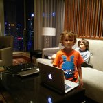 During the weekend stay at Marco Polo Shenzhen with my boys. The room 3715 is the best view room