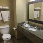 Photo de Holiday Inn Express Hotel & Suites Washington