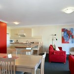 3 bedroom apt open plan kitchen dining lounge