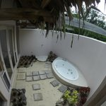 The outside Spa and Shower. Bigger than it looks - had to use a wide angled lens