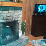 Anniversary Cabin Fireplace/TV Entertainment