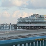 Joes's Crab--and the Pier
