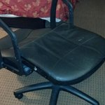The chair that broke (I'm 155lbs...)