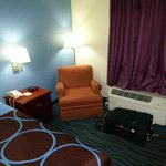 Photo de Days Inn Clarksville North