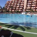 Foto de Holiday Village Hotel