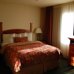 Photo de Staybridge Suites Allentown West