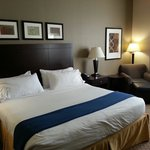 Nice decore, spacious room. Both soft and firm pillows on the bed. Though the soft pillows are a