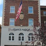 Photo de General Francis Marion Hotel
