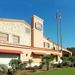 BEST WESTERN N.E. Mall Inn & Suites