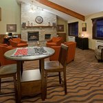 Photo de AmericInn Lodge &