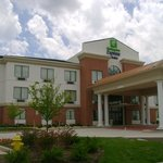 Photo of Holiday Inn Express Hotel & Suites St Charles