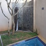 Outside shower and the durty private pool