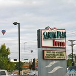 Balloons Over Sandia Peak Inn