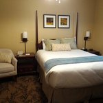 We had a family room suite that included one bathroom.  One room featured a queen bed.
