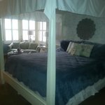 Canopy bed in King Specialty Room