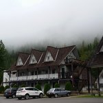 View of the hotel exterior, Peaks Lodge  |  Box 1061 , Revelstoke, British Columbia V0E 2S0, Can