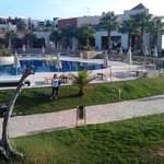 Vitor's Village Resort resmi