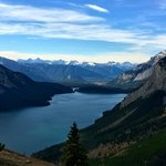 lake minnewanka from the Aylmer lookout
