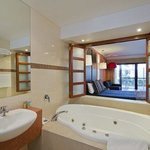 Photo of Quality Hotel Taylors Lakes