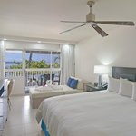 King Bedroom - Beachfront & Garden