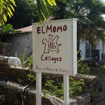 El Momo Cottages resmi