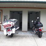 Two Wheel Inn Foto