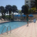 Crystal Beach Suites & Health Club Foto
