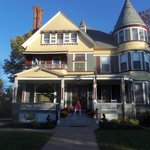 The Wallingford Victorian Inn resmi