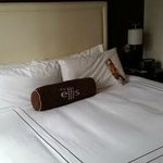 Ellis Hotel: what a great bed