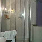 Great shower in room 7