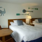 clean, beachy room with fresh linen and lots of light