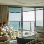 Holiday Inn Pattaya Executive Suite Club Access