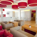 Travelodge London Kew Bridge resmi