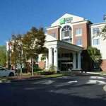 Photo of Holiday Inn Express Charleston North
