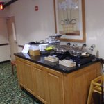 Hot food breakfast area