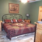 Mountain Shadows Log Home Resort resmi