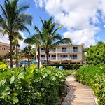 Aquarius Oceanfront Resort