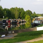 Barges moored up at the top of Caen Hill Locks